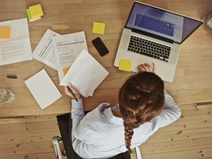 Az egész napos irodai munka és a fájdalmak