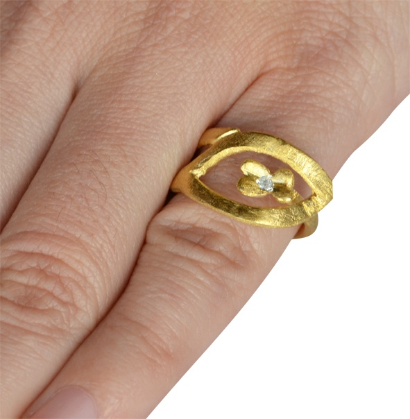 """Ring """"Flower""""   925 silver & gold plated Chevalier Ring with zircon stones."""