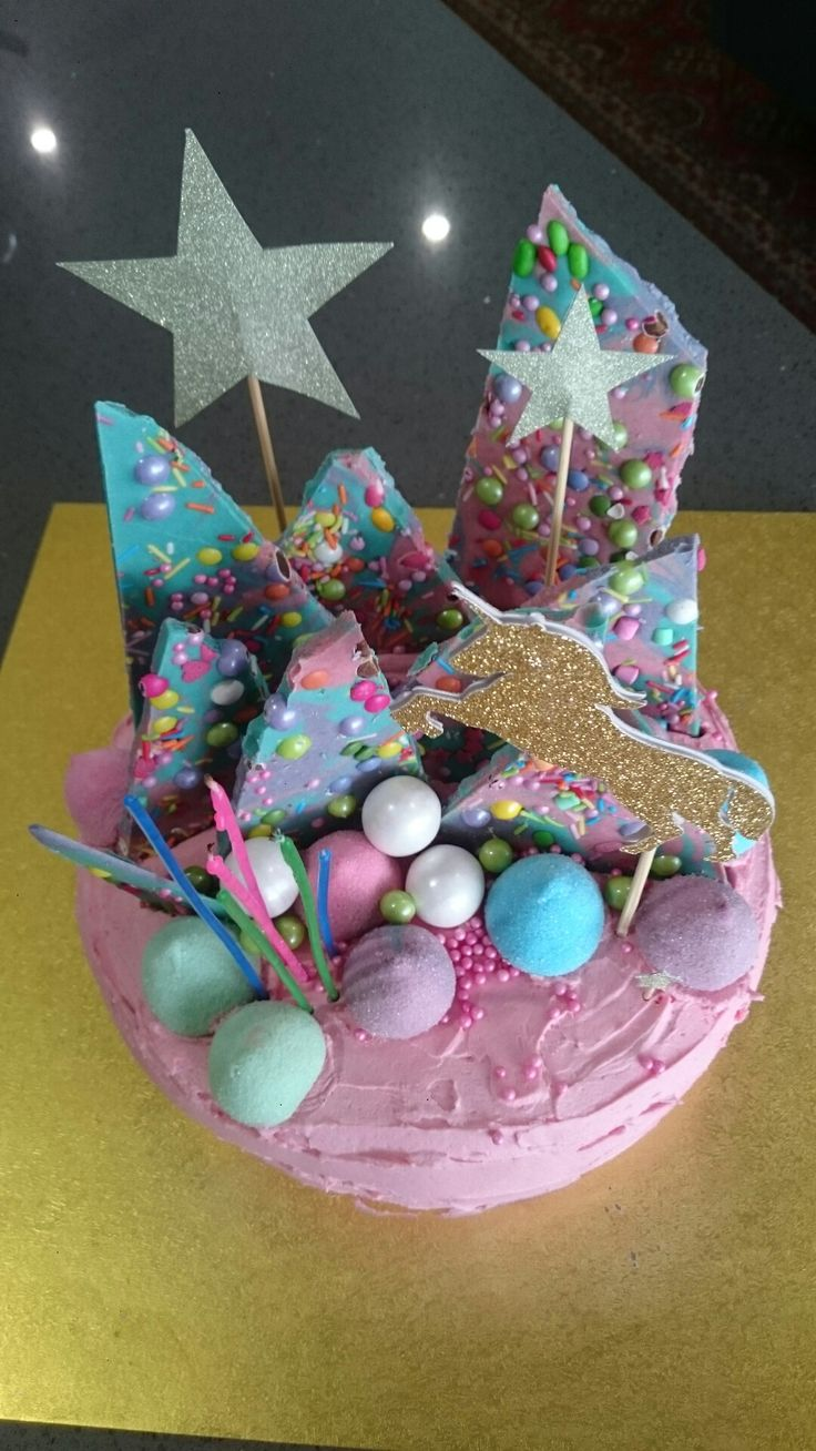 6th birthday cake - unicorn themed