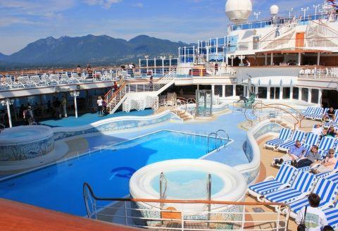 Gemilerimizde iyinin en iyisini size sunmaktan onur duyarız. Gemilerimizdeki sosyal faaliyetlerin eğlencesi tüm yılın yorgunluğunu bir seferde alacaktır. Bilgi&Rezervasyon  0850 460 88 11