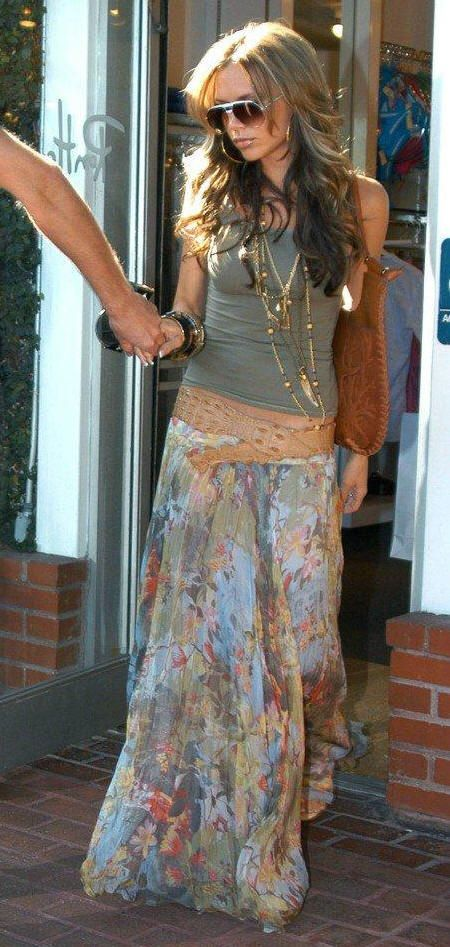 Perfect summer style long flows maxi skirt, olive tank, light leather belt --- love her hair too