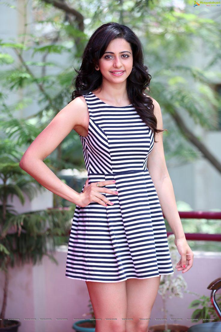 Rakul Preet Singh Super Hot Thighs Show In a Mini Skirt....