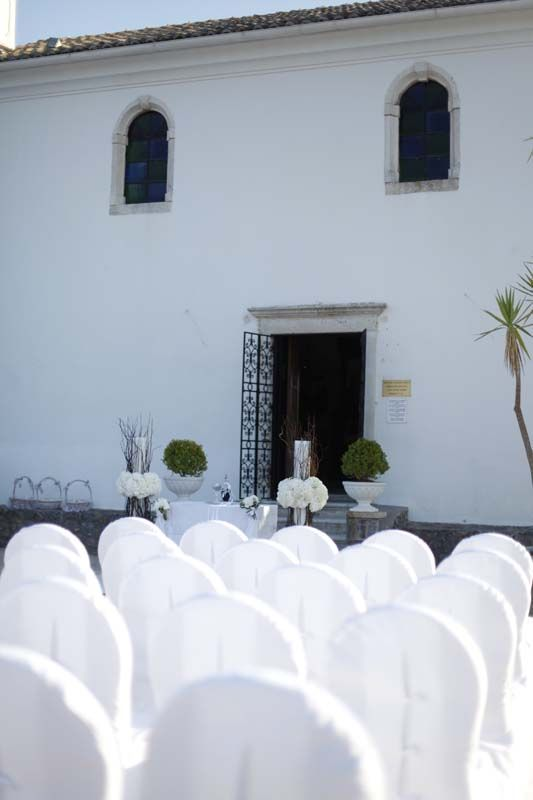 Outdoors wedding ceremony  Keyhole View: Impressive ceremony by the beach
