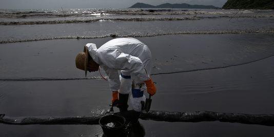 50 000 litres de pétrole souillent l'île de Ko Samet