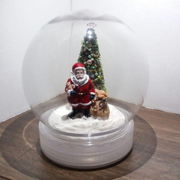 #xmas #xmasdecoration #christmas #christmasdecoration #diorama #santaclaus #christmastree #christmaslights #miniature #gift #idea #madeinbudapest
