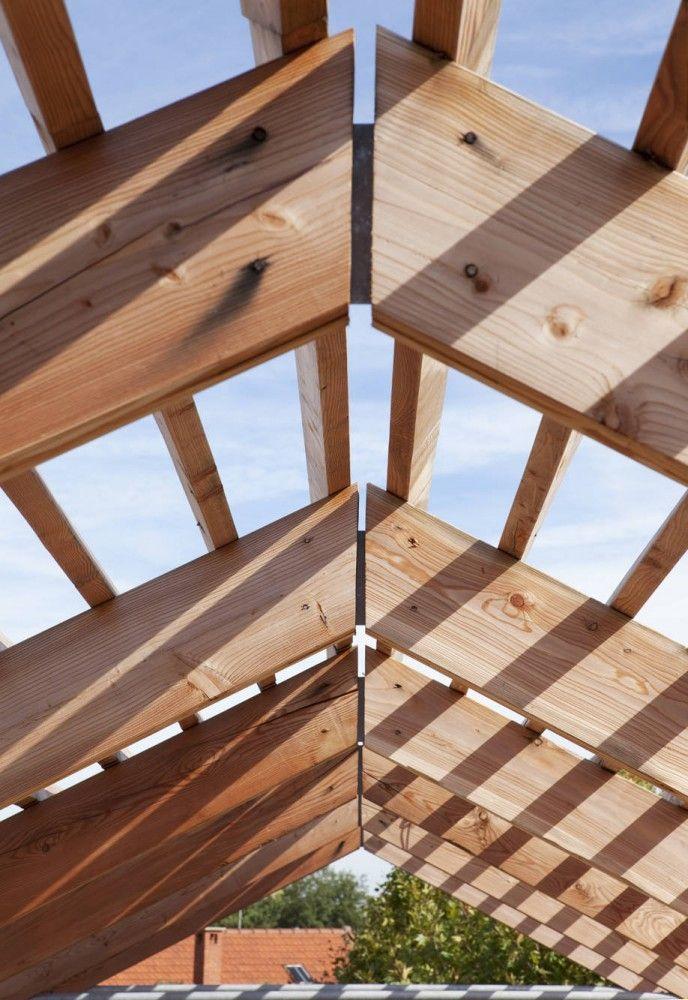 Eco-durable Maison / Djuric Tardio Architectes wood structure estructura madera uniones