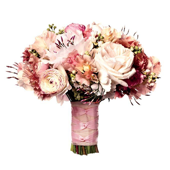 Pink wedding bouquet of garden roses, sweet peas, jasmines, ranunculus, and lilacs (Photo:Yasu +Junko)