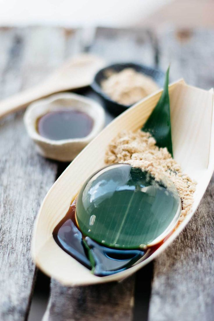 Mizu Shingen Mochi, or the Rain Drop Cake 水信玄餅