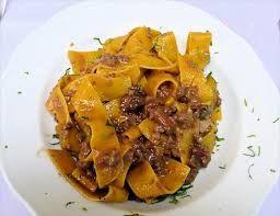 Cucinare a modo mio... le ricette di Carmen  Buone Feste       : Pappardelle al ragu' di cinghiale