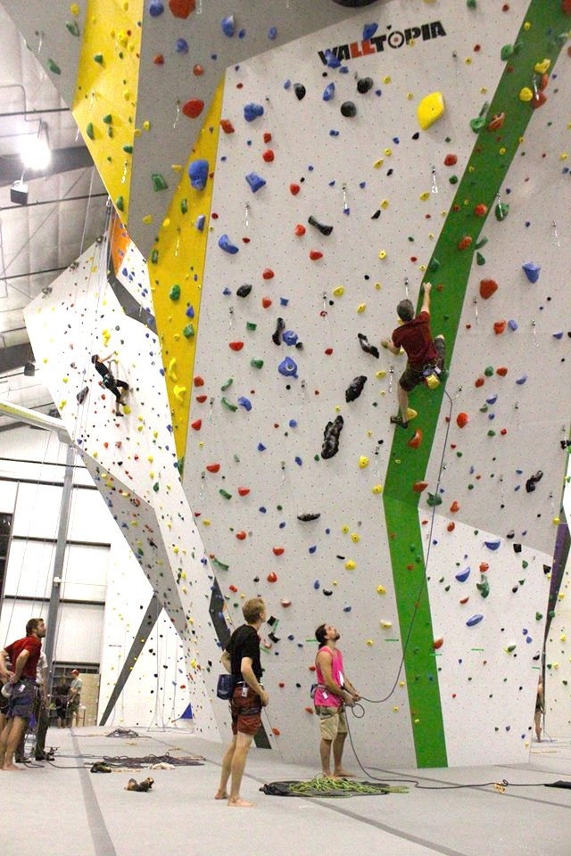 Americas Best Climbing Gyms Rock Climbing Pinterest - Two climbers scale 3000ft hardest route world