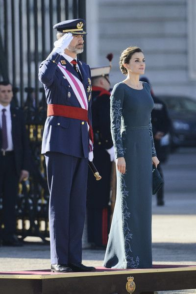 Queen Letizia of Spain Photos Photos - King Felipe VI of Spain and Queen Letizia of Spain attend the Pascua Militar ceremony at the Royal Palace on January 6, 2017 in Madrid, Spain. - Spanish Royals Celebrate New Year's Military Parade 2017