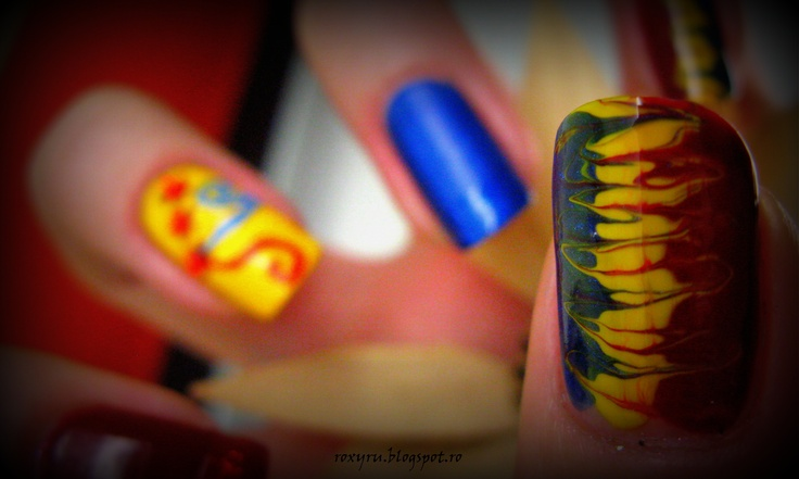 Happy birthday Romania!!