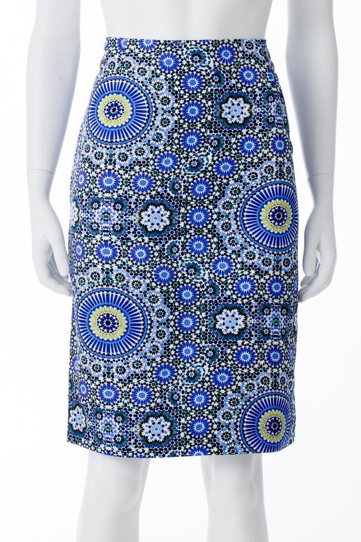 Jupe imprimés bleu, vert, blanc et noir, BANANA REPUBLIC, 124$ * Blue, black, green and white printed skirt, BANANA REPUBLIC, $124