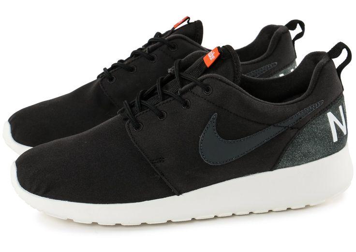 Chaussures Nike Roshe One Retro noire vue extérieure