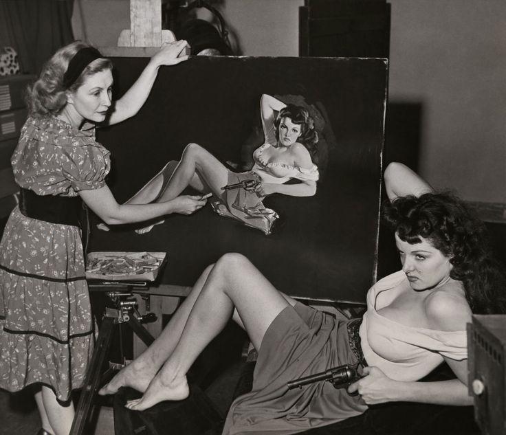 1943. Художница Зоя Мозерт рисует Джейн Рассел для вестерна Говарда Хьюза «Вне закона»