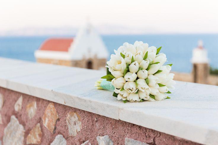 TARSANAS WEDDING PARTY-SYROS white tulips bridal bouquet | lafete