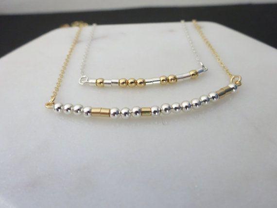 Le Code Morse personnalisé collier, collier prénom personnalisé, remplissage or, collier fin en argent Sterling, Collier simple et élégant. Je