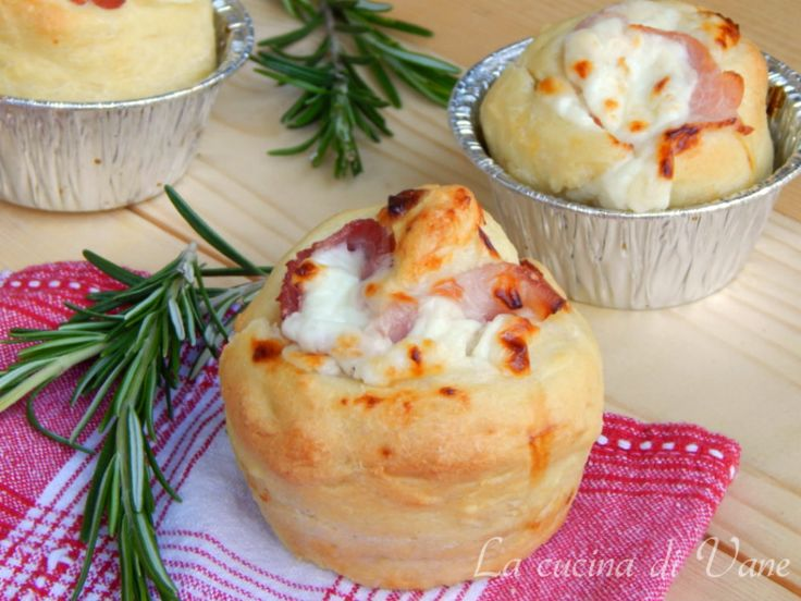 Muffin pizza con stracchino e prosciutto