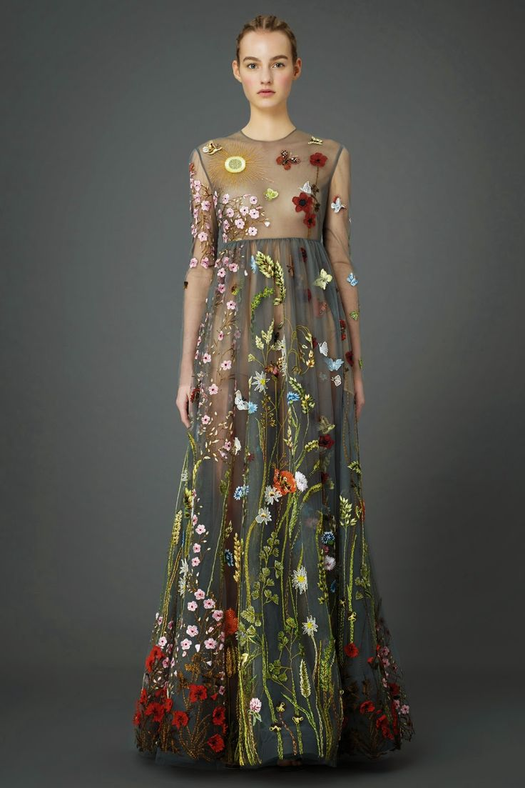 Fashion Show: Платья в пол из коллекции Valentino Pre-Fall 2015