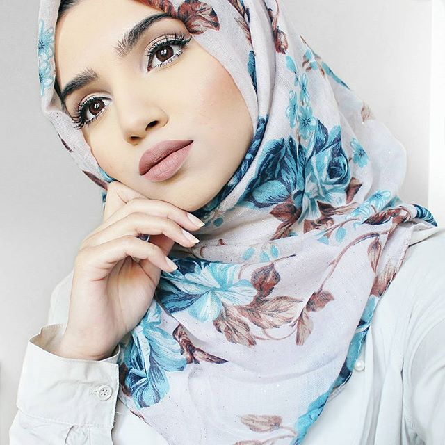 Hijab from @houseofhayaa  Video will be uploaded shortly