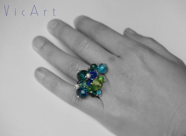 Tenger színű gyűrű üveggyöngyökkel www.vicart-ekszer.hu