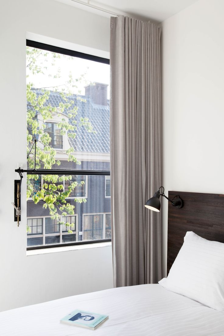 Stout & Co. - Amsterdam - Luxury bed & Breakfast - Ocher Yellow Room