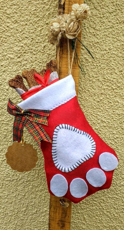 Patitas navideñas decorativas para mascotas diseño Chicoca Deco #catlovers #doglovers #deconavidad #navidaddeco #navidadparamascotas #botasnavideñasmascotas #botasnavideñas #dogchristmasstocking #stockingforpups