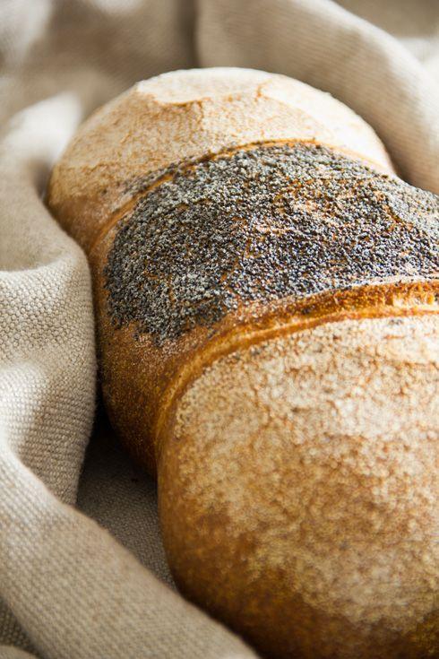 Weizen-Dinkel-Brot - Plötzblog ***** sehr sehr lecker. 35 Stunden vorher Weizensauerteig ansetzen. Ich gebe in den Autolyseteig noch 5 g Hefe.