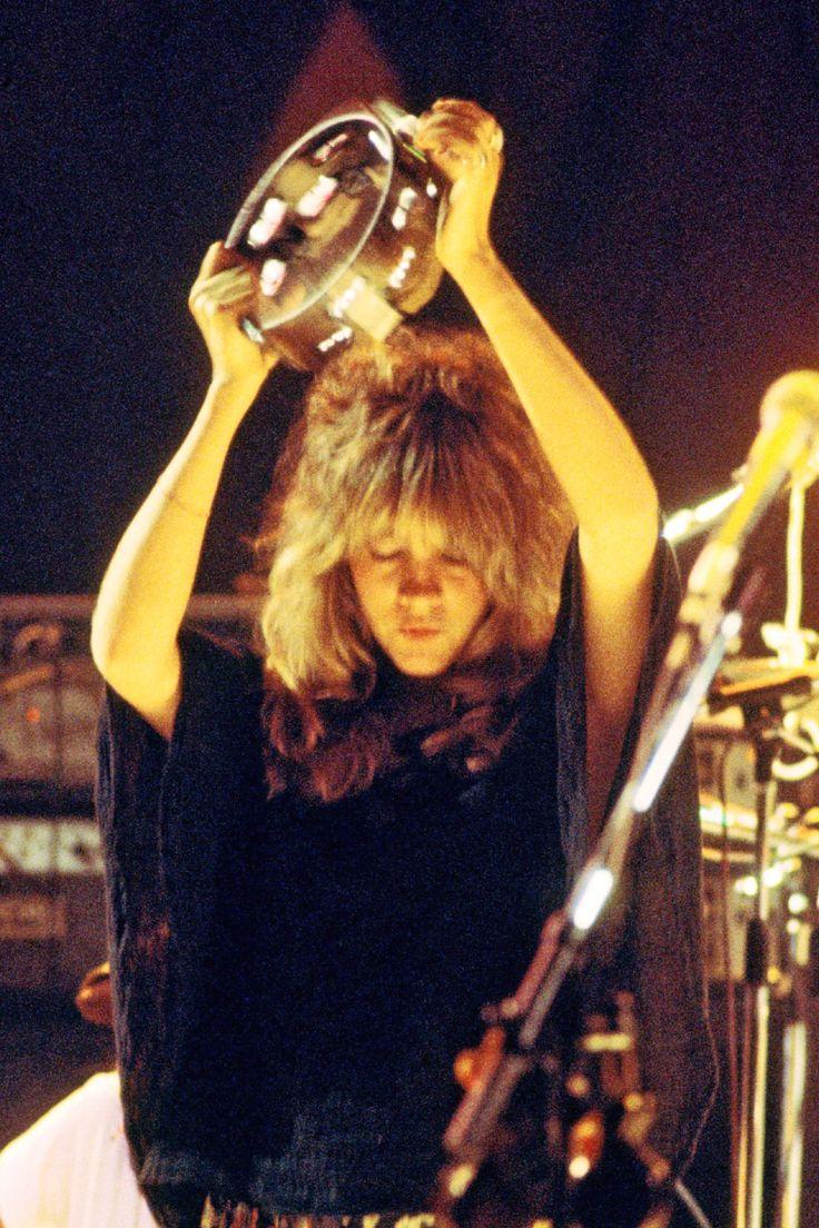 Stevie Nicks of Fleetwood Mac 1976 : OldSchoolCool