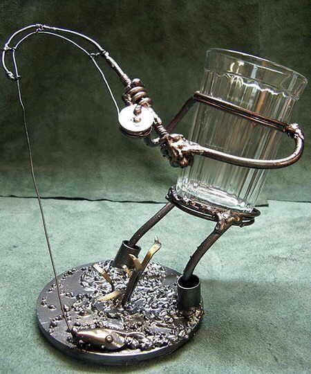 esculturas curiosas de metal y vidrio