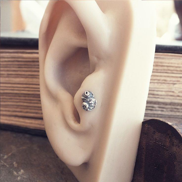 chameleon tragus earring