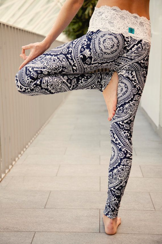 Zen -- Printed Leggings With Lace
