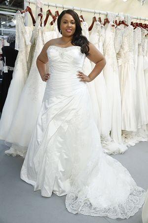 Roz la Kelin wedding dresses fall 2015, Plus size bridal. Satin bridal gown with lace insert shown at New York bridal week. #satinweddingdress #laceweddingdress