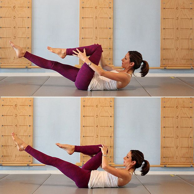 2-Minute Abs: How to do the Single Leg Stretch