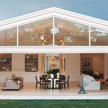 The owner of this beautifully renovated 1930's bungalow in Remuera wanted to make an architectural statement, whilst keeping the interior pared back with calm & restful colours & textures. A large Lancaster sisal rug defines the conversation area in the open plan lounge. The sisal has been self-turned to give a contemporary edge & the natural fibre sits well within the plantation aesthetic.  PRODUCT: Sisal  COLOUR: Lancaster  BINDING: Self-turned  www.artisanflooring.co.nz/rugs/110851/