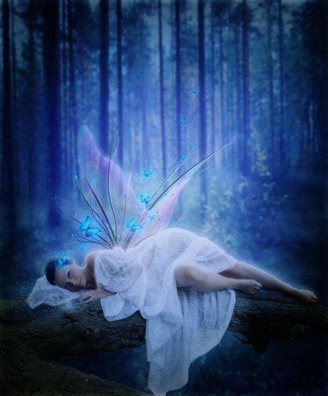 Ik heb een droom - Ver weg van alles  Ver weg van iedereen  Gewoon ver weg  En dan…  Dan nog net iets verder.... en verder lezen kan je dit mooie gedicht lezen op;Ik heb een droom - Plazilla.com