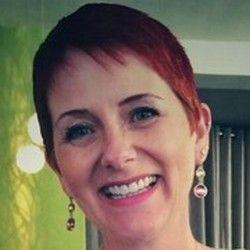 [ITW] Mon métier selon Valérie Demyttenaere, consultante en stratégie digitale et Web Marketing http://widewildweb.wordpress.com/2014/07/16/mon-metier-selon-valerie-demyttenaere-consultante-en-strategie-digitale-et-web-marketing/
