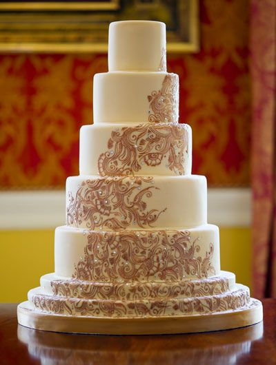 The beautiful 'Rani' wedding cake designed and created by GC Couture Cakes (eggless version) perfect for your Hindu wedding ceremony