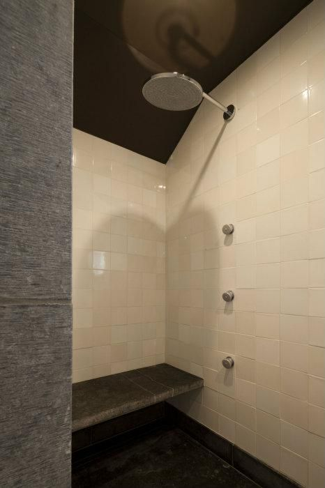 Meer dan 1000 idee n over rustieke badkamers op pinterest rustieke badkamer wasbakken - Rustieke badkamer meubels ...