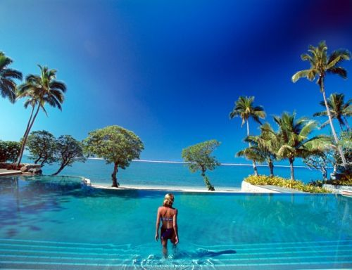 Shangri La Fiji - TWO DAYS and i'll be sipping cocktails by this amazing pool.  CHECK.