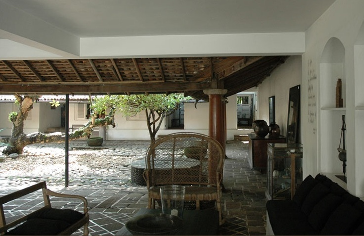 Inner courtyard tropical plantation colonial style for Courtyard designs in sri lanka