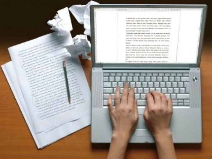 HABLEMOS DE NEGOCIOS: ¿Cómo esta escritora freelance puede ganar mil dól...
