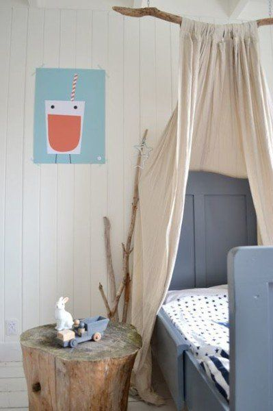 Kid's bedroom in pastel colors and beach wood inspired decor