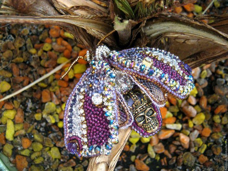 Купить Бабочка с черепом из бисера. - фиолетовый, брошь - жук, жук из бисера, жук с черепом, череп