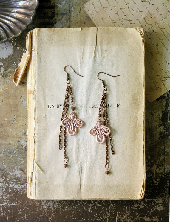 must. have. these. earrings!!! If you like these, you GOTTA check out this Etsy sight: White Owl