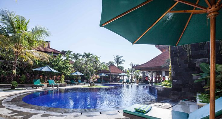 Vila Shanti Beach Hotel is located direct on the beach of sanur with its white sandy beach and clear water, 5 minutes walk to the town, 25 minutes drive from Bali international airport and 15 minutes drive to the city of Denpasar.  http://www.vpmbali.com/vila-shanti-beach-hotel/  #sanurhotel #balihotel #hotelinbali #shantihotel