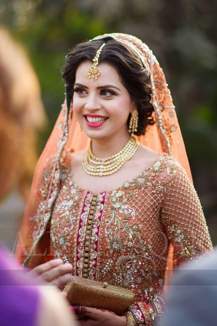 Genuine smile for a bride