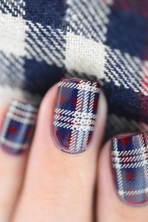 Easy plaid nail art tutorial – MoYou Crystal Clear Stamper.