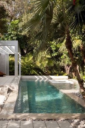 32 trends to include swimming pool in your home http://comoorganizarlacasa.com/en/32-trends-include-swimming-pool-home/
