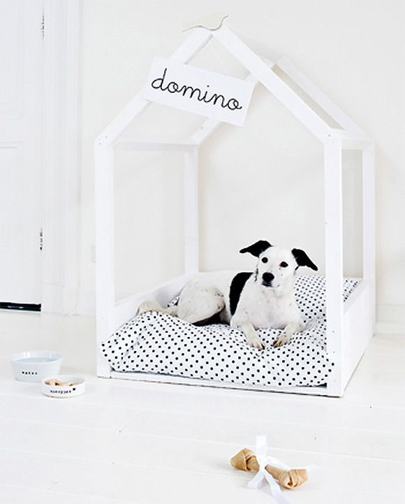 DIY Dog Bed / Dog House - My niece, Ingie, with the waggely tail & vicious bark, really needs this.